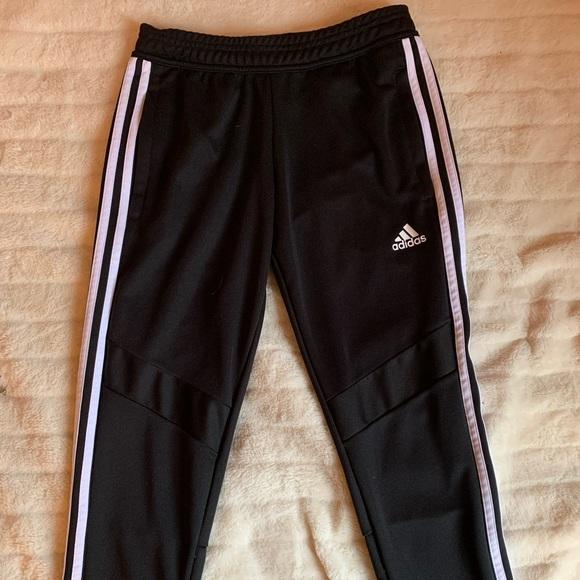 Adidas pants 🤩